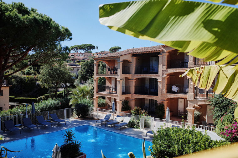 hotel sainte maxime pool